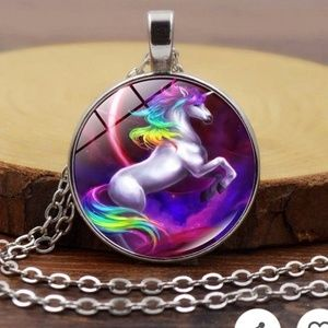 🆕️ NWT Silver Rainbow Unicorn Necklace